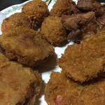 坂文精肉店 - 昔ながらのコロッケ、ハムカツ、いもフライ、鶏ももの唐揚げ