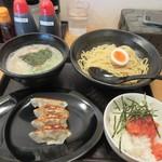 らーめん二男坊 - 料理写真:食券を渡して暫く待つと注文したつけ麺780円と明太ごはん250円、そして餃子250円の出来上がり。