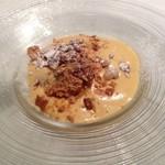 イゾラ スメラルダ - ドルチェ マルサラ酒と卵黄のザバイオーネ アマレット風味の自家製ソルベ グラッパのジュレとともに