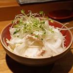 阿佐ヶ谷バードランド - 新玉ネギと根みつ葉のサラダ