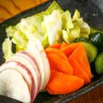 地場野菜の漬物盛合せ