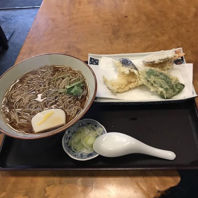 角清 - 天ぷらそば。 税込1200円。 美味し。