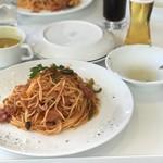 オーシャンブルー - 料理写真:クラッシックナポリタン(サラダ スープ付き) 1680円