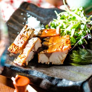 日本酒に合う【名物】鯖の燻製がおすすめ!
