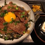 九州 熱中屋 - ゴマブリ丼