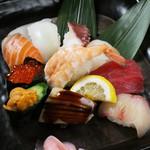 八庄屋 - にぎり寿司盛り合わせ