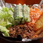 WAHINE - 料理写真:ビーフサラダ