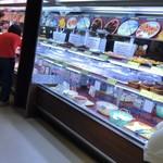 81557410 - お肉のほか、お寿司等色々ございます。