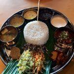 Spice&Dining KALA - 「ノンベジタリアン・ミールス」1,600円「カキのピクルス」700円