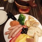 肉バル MEAT BOY N.Y - とろ〜りチーズフォンデュ