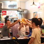 パクチー丸太町 - タイの大衆食堂の雰囲気を楽しめます