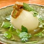 炭火焼火乃酉YOKOHAMA - 新玉ねぎの丸ごと煮