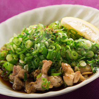 焼き鳥・鶏料理の「鳥好吉本」■看板メニューのひねせちポン酢