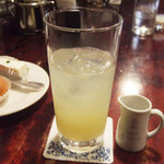 西洋菓子しろたえ - レモンジュース(450円)