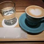 スリーピークスカフェ - カプチーノ