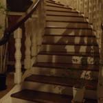 mati-cafe - 階段を上って、2階がお店。