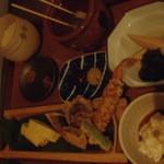mati-cafe - どれも美味しかったなあ。 赤出汁とご飯が合うし、エビの天ぷらは衣がもちもちだし。