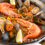 P.C.A. Pub Cardinal Akasaka - 魚介の旨味が凝縮された『海の幸のパエジャ』
