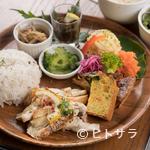カフェグリーングリーン - 沖縄県産食材が織りなす、彩り豊かな美味しいランチを楽しむ