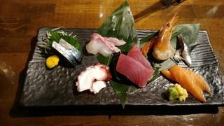 魚椿 栄店 - 7種盛り