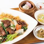 南国酒家 - 国産 牛肉と旬の野菜入りあんかけやきそばセット(3/1~)