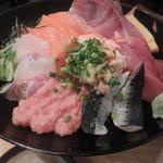 築地食堂 源ちゃん - 八色丼(ご飯大盛り)