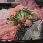 築地食堂 源ちゃん - 八色丼(ご飯大盛り) アップ