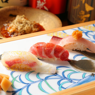 大将が握る本物の鮨と、素材の味を生かす逸品
