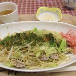 焼きそば亭 文 - 肉焼きそば・塩味(380円) 10.01.14.