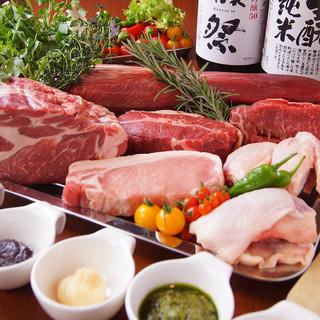 安くてウマい!牛・豚・馬・鶏など肉料理が大充実