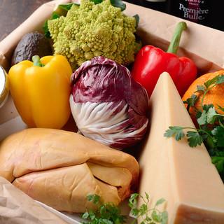 フォアグラ&チーズ料理の店主ならではの創作フレンチをご堪能♪
