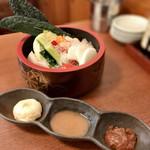 都夏 - 生野菜盛り