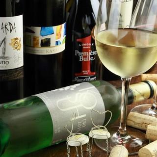 ワインは常時50種類以上!本格フレンチとのマリアージュを☆