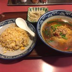 中華料理鳳龍 - 料理写真:日替り定食700円でボリューム満点。