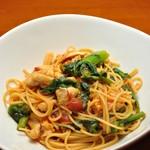 ランチ&バー 花菜 - 菜の花と蒸し鶏のトマトソース