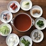 ドットキッチンアンドバー - キッチン風トマトスープ鍋