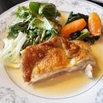 ビストロ グラチエ - 料理写真:国産鶏のソテー ブルーチーズソース