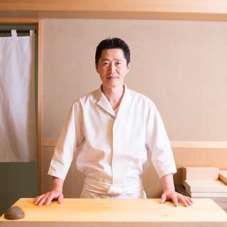 宮川政明氏(ミヤカワマサアキ)─真摯な仕事で鮨と向き合う