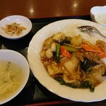 Keien - 中華丼700円です!