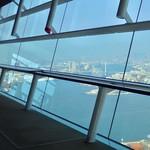 プラネットカフェ - 展望用ガラス窓。