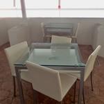 プラネットカフェ - テーブル席。