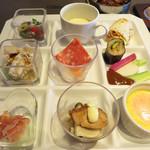 太陽の皿 - 糸島の野菜をふんだんに使った、ヘルシーで見た目も華やぐランチビュッフェです。