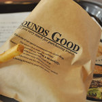 Burgers Cafe 池田屋 - ポテトは皮つき、袋にはSOUNDS GOODの文字