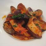 タントタントトラットリア - パスタ:魚介のトマトソース リングイネ