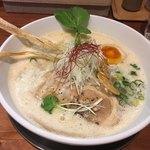 ふじ門 製麺 - 料理写真:豚だしらぁ麺〜(*^ω.^*)/¥750円