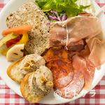 ハルモニア ワインとお食事の店 - お肉前菜盛り合わせ