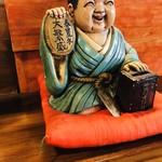 翔鶴 - この人形の御利益が翔鶴様の繁盛の秘密かもしれません(笑)【その他】