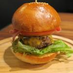格之進 Nikutell  - 肉汁たっぷりハンバーガー フライドポテト添え2