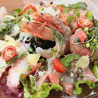 """鮮魚を使った""""カルパッチョ""""には、おすすめ魚が6種類◎"""
