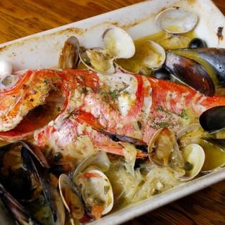 アクアパッツァ新鮮!豪快!魚介料理を楽しめます!